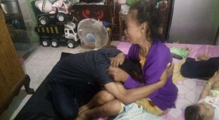 Viral, Anak Tendang Kepala Ibu Kandung Gara-gara Uang