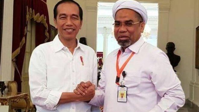 Presiden Joko Widodo melantik Ali Mochtar Ngabalin sebagai tenaga ahli di kantor staf presiden (KSP).