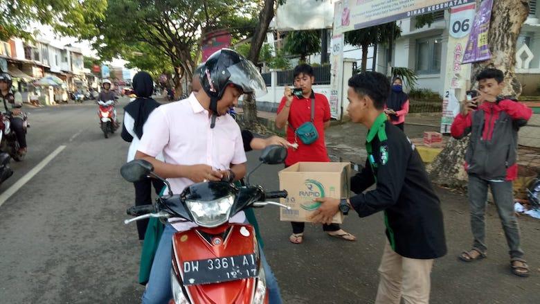Kader HMI Cabang Bone sibuk penggalangan dana bantuan korban bencana - BONEPOS.COM