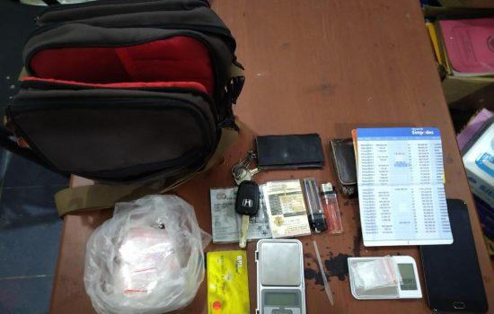 Diduga Bawa Tiga Sachet Narkotika Jenis Shabu, Pemuda Ini Diringkus Polisi Di Kostan
