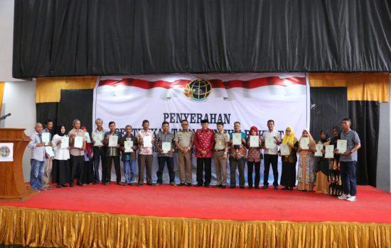 Target Capai 100 Persen, ATR BPN Serahkan Sertifikat Tanah