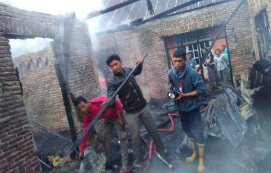 Akibat Arus Pendek, Satu Rumah di Sinjai Tengah Ludes Terlalap Api