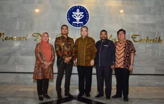 Abdul Haris Umar : Siswa-Siswi Sinjai Bisa Mendaftar di IPB Melalui Pemerintah Daerah Tanpa ke Bogor