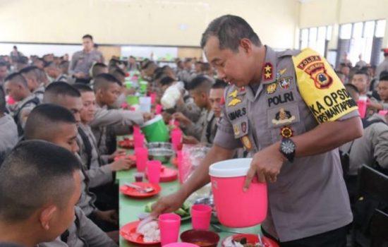 Begini Suasana Keakraban Kapolda Sulsel Makan Bareng Siswa SPN Batua Makassar