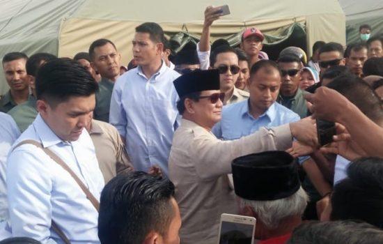 Tiba di Camp Pengungsian Gempa Sulteng, Prabowo Diteriaki 'Prabowo Presiden'