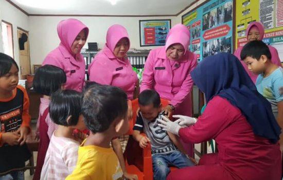 Ibu Bhayangkari di Gowa Proaktif Sosialisasikan Vaksin Measles Rubella