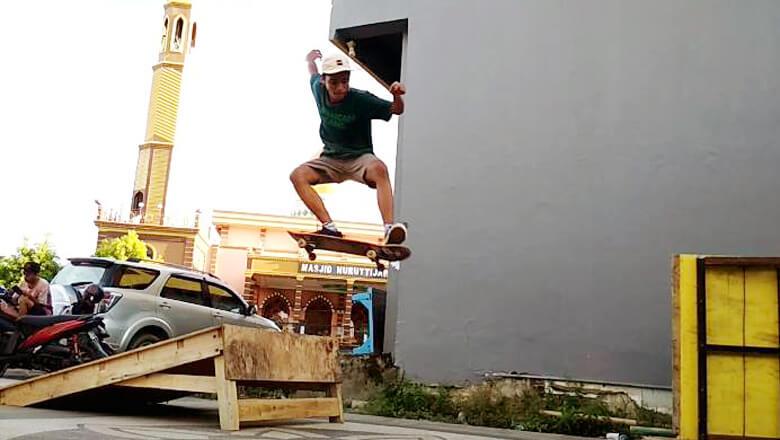komunitas skatebord bone