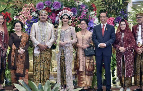 Presiden Jokowi dan Megawati Hadiri Resepsi Pernikahan Putra NA