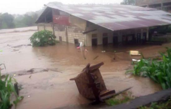 Ngeri, Begini Detik-Detik Rumah Warga di Jeneponto Terseret Arus Banjir