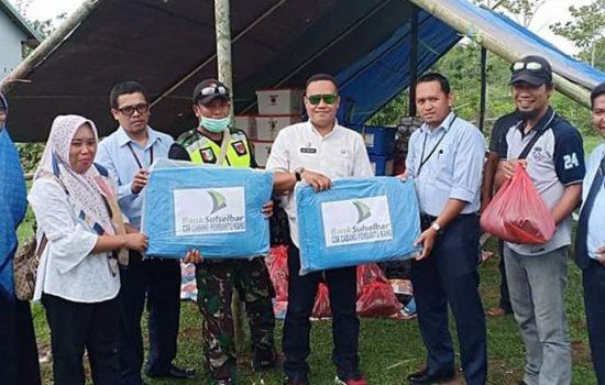 Bank Sulselbar Bantu Korban Bencana Puting Beliung di Kahu