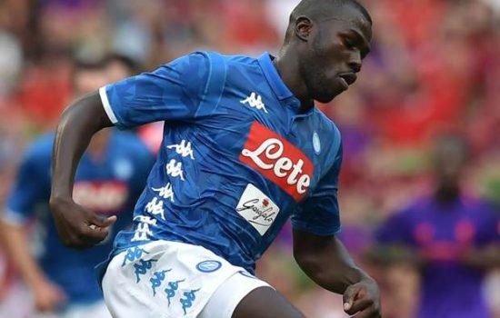 Manchester United Mundur dari Persaingan Dapatkan Bintang Napoli