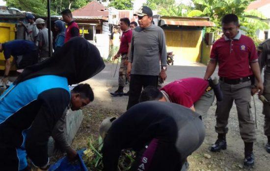 "Pimpin Kerja Bakti, Wakil Bupati Bone ""Keroyok"" Sampah"