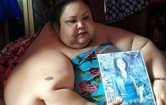 Meski Sang Istri Berbobot 350 Kg Suami Tetap Setia Menemani