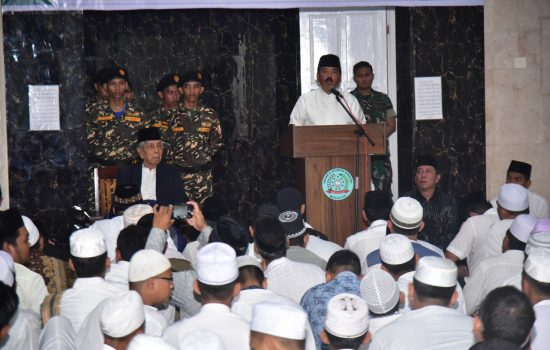 Pangdam Dampingi Panglima TNI dan Kapolri Kunjungi Ponpes Nahdhatul Ulum Maros
