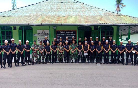 Satbrimob Polda SulSel Safari Sholat Jumat Keliling di Masjid Markas TNI