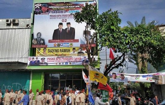 Kantor Pusat BPN Prabowo – Sandiaga di Solo di Kabarkan Kemalingan