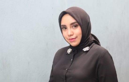 Salmafina Sunan Putuskan Lepas Hijabnya, Akui Gak Kuat