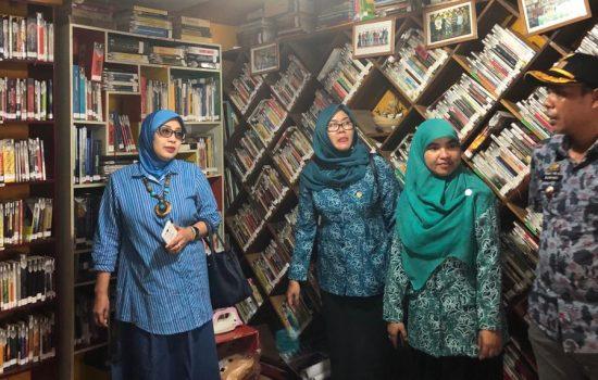 Tim Penilai Sombere and Smart Lorong Makassar Apresiasi Rumah Baca Di Borong