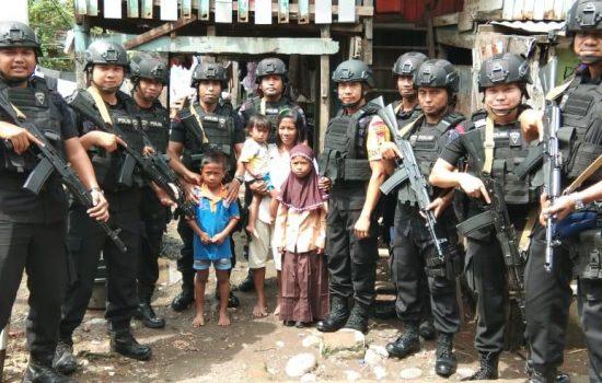 Tim Patra Batalyon A Pelopor Sat Brimob Peduli Anak Sekolah