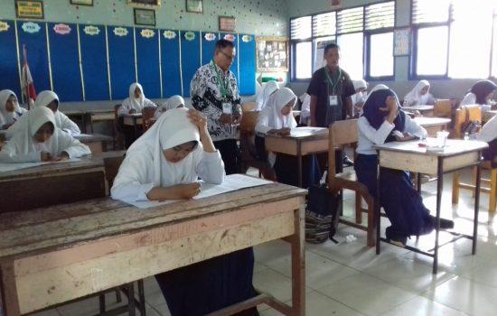 Ratusan Siswa Bersaing di Ajang OSN Tingkat SMP di Bone