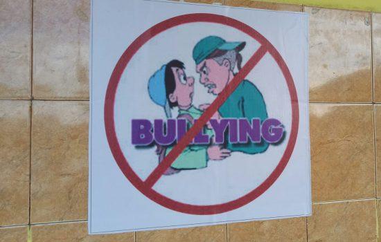 Banner Stop Bullying Terpasang Di MTsN 3 Bone
