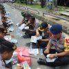 Jalin Kebersamaan, Personil Gabungan Polres Gowa, Brimob dan Sabhara Polda Sulsel Makan Siang Bersama
