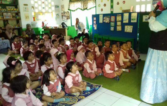 Road Show, Dongeng Dompet Dhuafa Sasar Sekolah di Bone