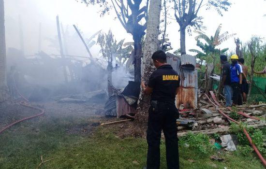 Breaking News: Satu Rumah Panggung di Bone Ludes Terlalap Api