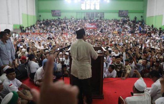 Sindir Kelakuan Elit, Prabowo Lebih Dekat Bersama Rakyat