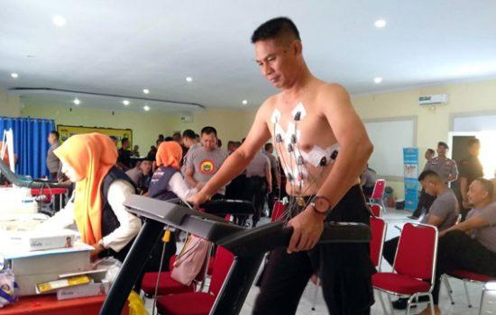 305 Personil Brimob Bone Ikuti Pemeriksaan Kesehatan Berkala