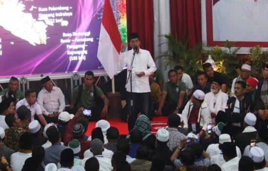 Kampanye di Dumai : Jokowi Ajak Coblos Baju Putih, Jas Pakaian Orang Eropa