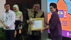 Bupati Fahsar Terima Penghargaan Dari Kemenkes RI
