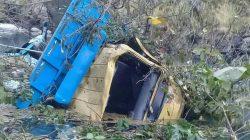 Mobil Pengangkut Gabah Sidrap Terjun ke Jurang, Sopir Meninggal di Sinjai