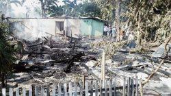 Rumah Ludes Terbakar, Damkar Bone Baru Tiba
