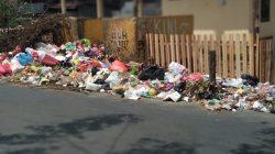 BBM Langka, Bone Dikepung Sampah