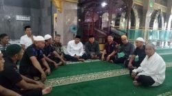 Patut Dicontoh, Aksi Brimob Bone Makmurkan Masjid
