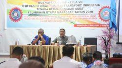 Deng Ical 'Suntik' Pekerja Bongkar Muat Pelabuhan Makassar di Era Industri 4.0
