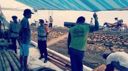 Personel Brimob Sisir Kampung Nelayan Bajoe
