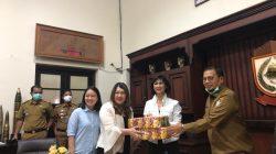 Hadapi Covid-19, Restoran Bantu Pemkot Makassar 1 Ton Mi Instan