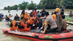 Di Balik Perjuangan Brimob-Basarnas Evakuasi Kecelakaan Perahu di Bone