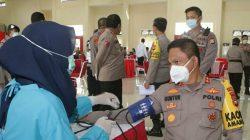 """Sambangi Polda Sulsel, PMI Makassar Bawa Pulang """"Oleh-oleh"""" Kantong Darah"""