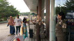 Sosialisasi Perwali 31, Satpol PP Makassar Beri Pencerahan Protokol Kesehatan