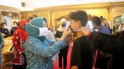 Demi Anak, TP PKK Provinsi dan TP PKK Makassar Bagi-bagi Masker