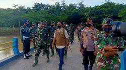 Danrem Toddopuli Kawal Pangdam Pantau Lokasi Banjir Bantaeng