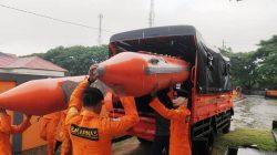 Hujan Tak Kunjung Reda, Basarnas Bone Terjunkan Personil Pantau Banjir