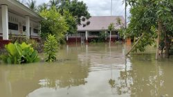 Air Setinggi Lutut Rendam Dua Dusun Tocina