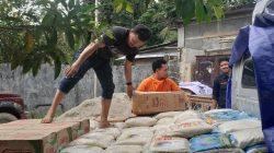 IKA Geologi Unhas bawa Biskuit untuk Korban Banjir Bandang Luwu Utara
