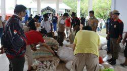 Wujud Cinta FHUH dan Notaris-PPAT Bone untuk Korban Banjir Bandang di Luwu Utara