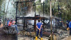 Rumah Panggung di Bone Ludes Terbakar, Puluhan Juta Melayang
