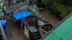 [Update] Innalillah, Dua Warga Hanyut Banjir Bandang Sukabumi Ditemukan Tewas